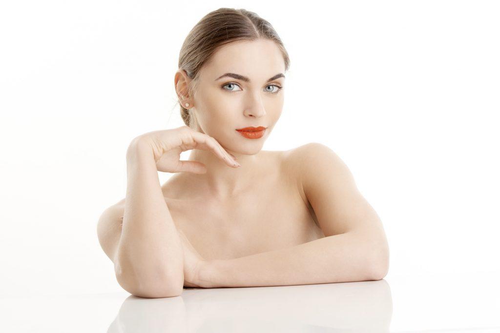 jak bezpiecznie oczyścić skórę